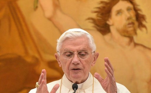 Pope Benedict XVI blesses pilgrims gathered in Castel Gandolfo