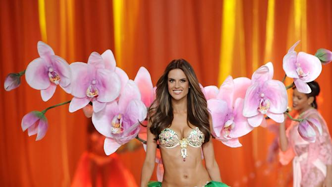 Brazilian Alessandra Ambrosio walks the runway during the 2012 Victoria's Secret Fashion Show on Wednesday Nov. 7, 2012 in New York. The show will be broadcast on Tuesday, Dec. 4 (10:00 PM, ET/PT) on CBS. (Photo by Evan Agostini/Invision/AP)
