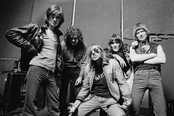Hawkwind Guitarist Huw Lloyd-Langton Dead at 61