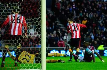 Sunderland 3-0 West Ham: Larsson, Johnson, and McClean on target as Black Cats ease to victory