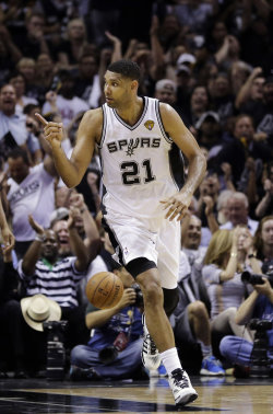 Tim Duncan scored 21 points to lead the Spurs in Game 1. (AP)