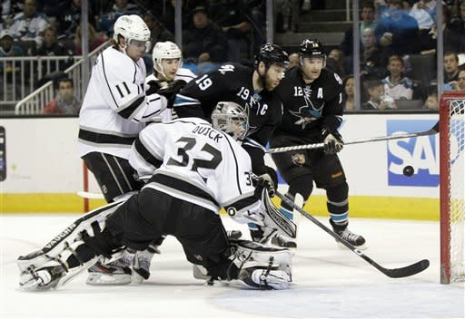 Sharks beat Kings in battle for No. 7 seed in West