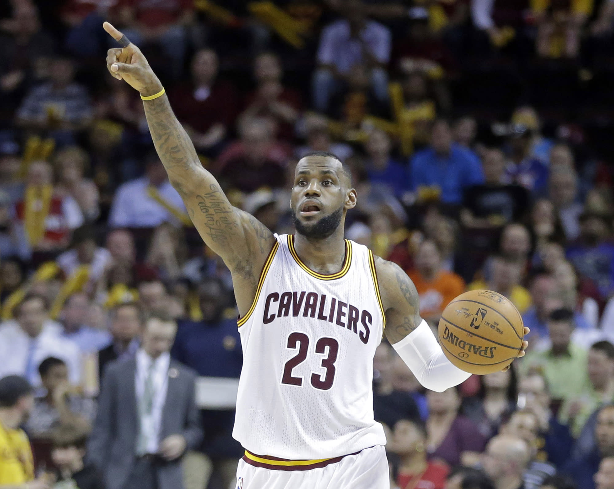 LeBron begins new quest to end Cleveland's title drought