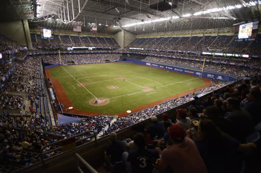 Rangers beat Padres 5-2 before 40,000 in Alamodome