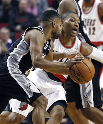 Spurs hold off Blazers 112-109
