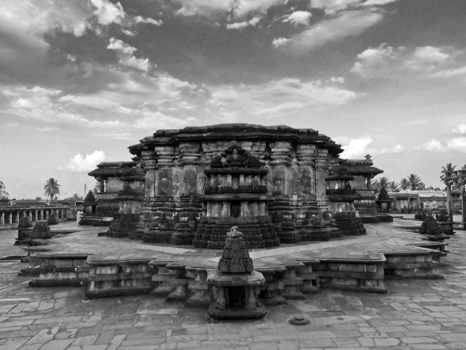 Belur Chennakeshava Templ…