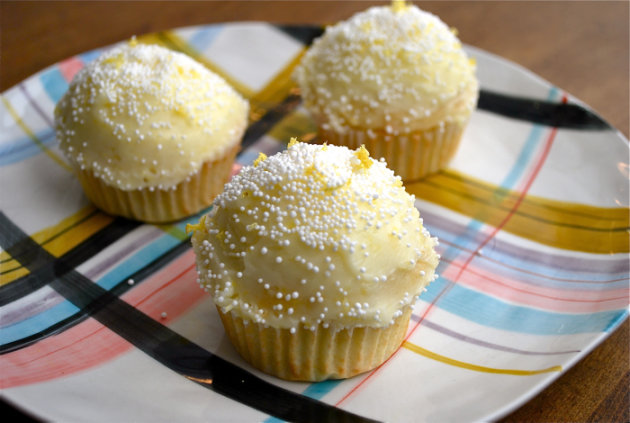 Snowy Lemon Cupcakes