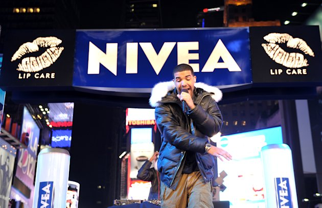 Bill & Giuliana Rancic Ring In New Year's Eve 2012 With NIVEA In Times Square