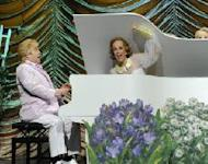 "Elton John and Kristen Wiig perform on ""Saturday Night Live"" on April 2, 2011 -- NBC"