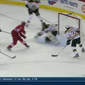 Tuomo Ruutu sneaks one past Rask