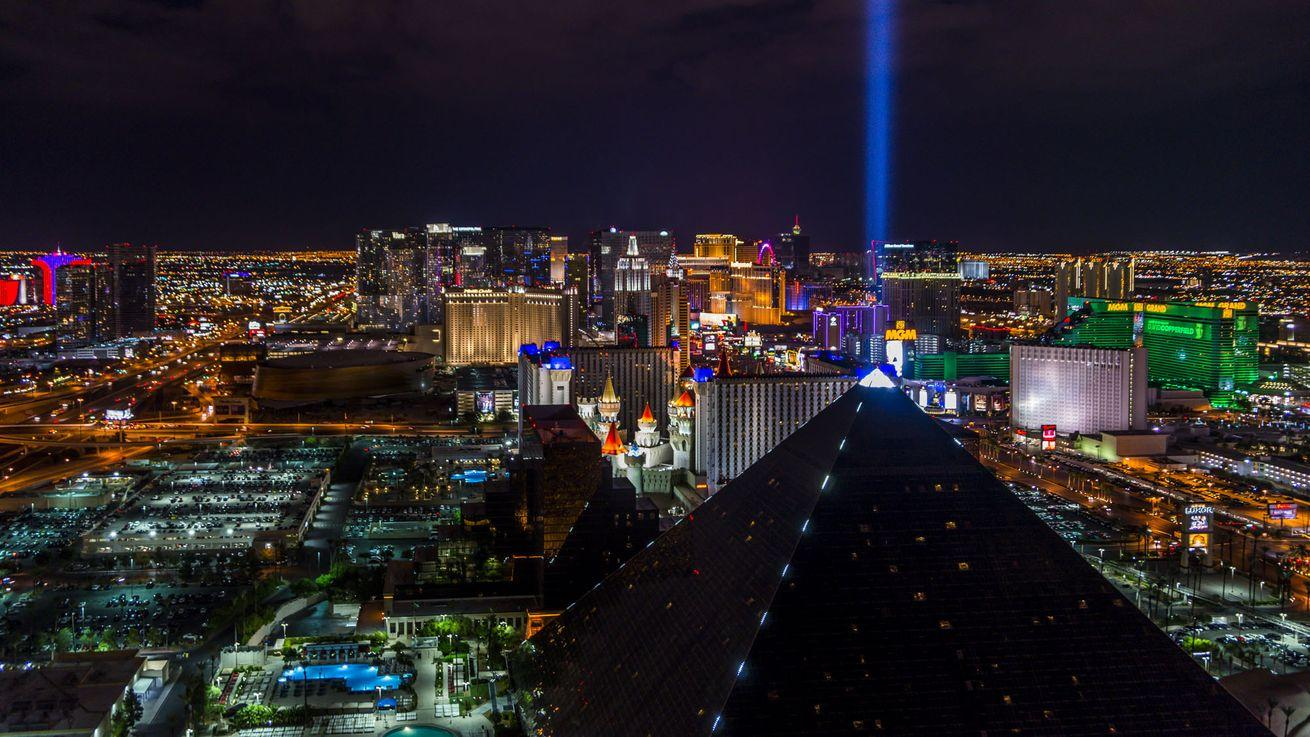 Las Vegas Dining 101: A Guide for Eating and Drinking in Sin City