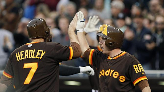 Alonso, Grandal and Padres rout Cubs 11-1