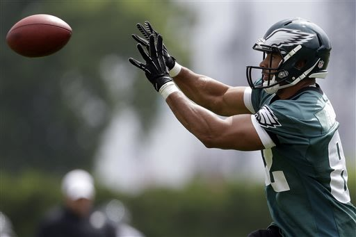 Philadelphia Eagles' Clay Harbor catches the ball during practice at the team's NFL football training facility, Monday, May 20, 2013, in Philadelphia