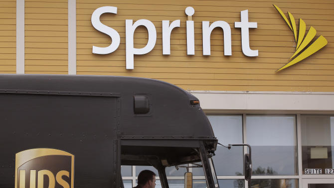 Customers avoid Sprint in 1Q as suitors circle