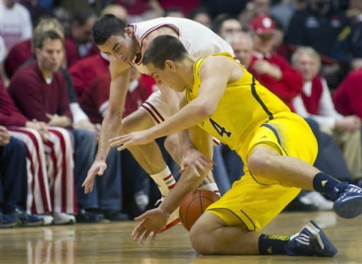 No. 3 Indiana beats No. 1 Michigan 81-73