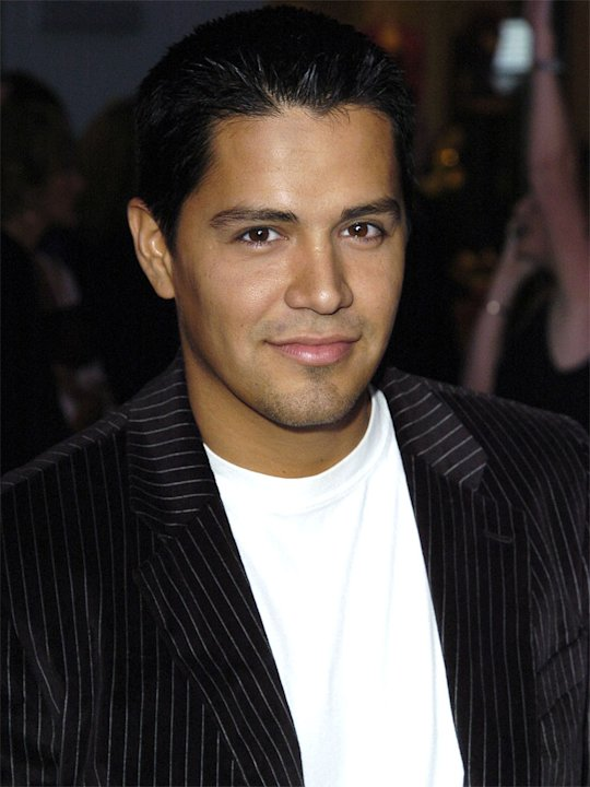 Jay Hernandez 