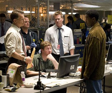 Bruce Greenwood , Val Kilmer and Denzel Washington in Touchstone Pictures' Deja Vu