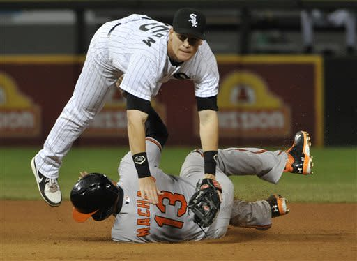 Dunn, Gillaspie homer, White Sox top Orioles 5-2