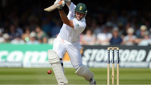 Cricket - Proteas turn screw on sorry Pakistan