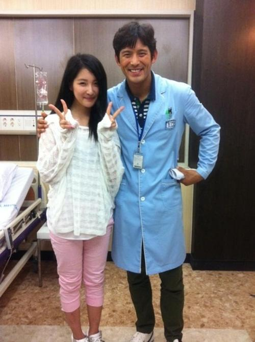 Nam Ji Hyun uploads a photo with Oh Ji Ho