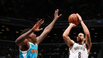 Brook Lopez helps Nets beat Hornets, 108-98