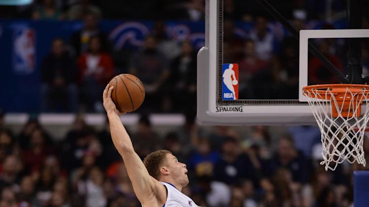 Clippers rally from 17 down late, top Mavs 129-127