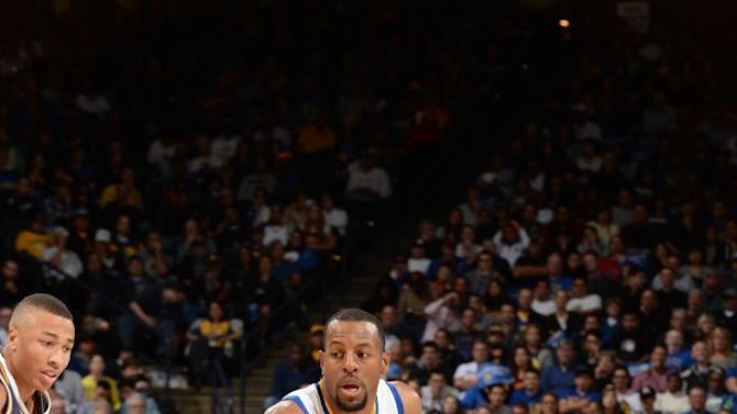 Well-rested Warriors roll past Jazz, 101-88