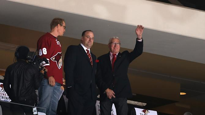 Coyotes and Glendale end stalemate; come