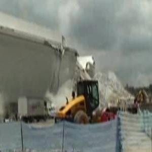 Dramatic Footage As Crane Collapses