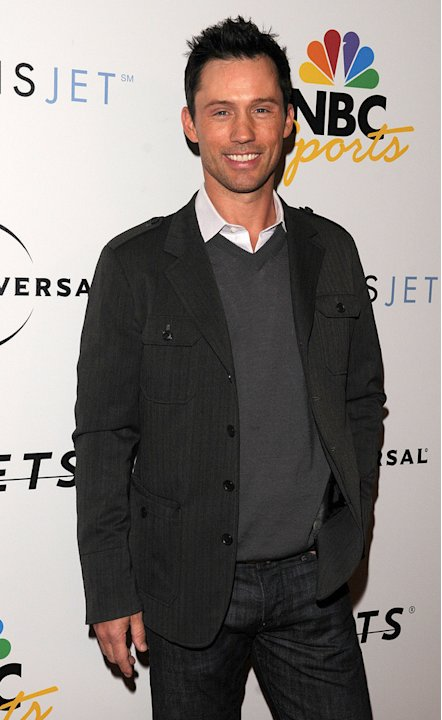 Jeffrey Donovan arrives at the NBC Universal Pre Super Bowl event at Portofino on January 31, 2009