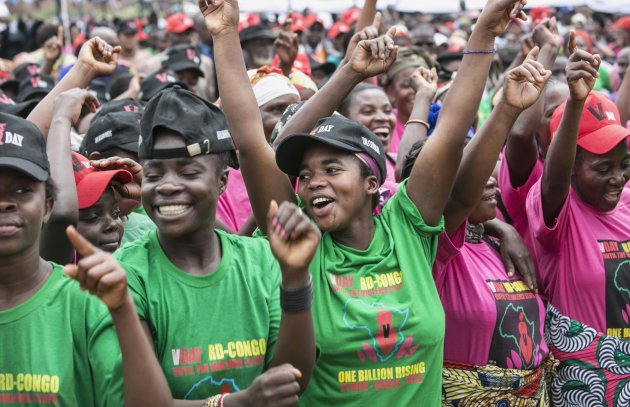 Congolese women cheer during the global rally