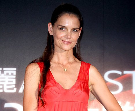 "Katie Holmes Breaks Silence on Tom Cruise Divorce: ""I'm Alright"""