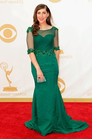 Mayim Bialik Looks Gorgeous in Emerald Green Dress Emmys 2013 Red Carpet