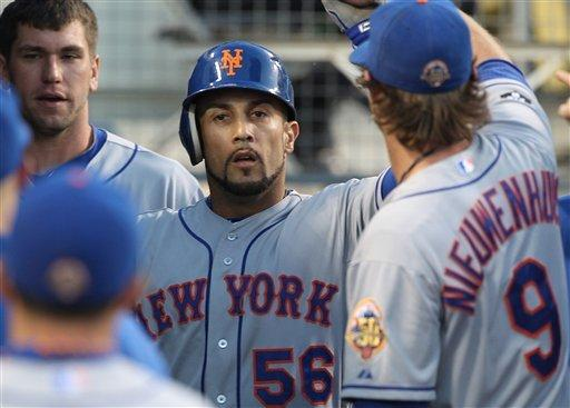 Dickey back on track in Mets' 9-0 rout of Dodgers
