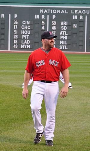 Kevin Youkilis Joins Short List of Ex-Longtime Red Sox to Join New York Yankees
