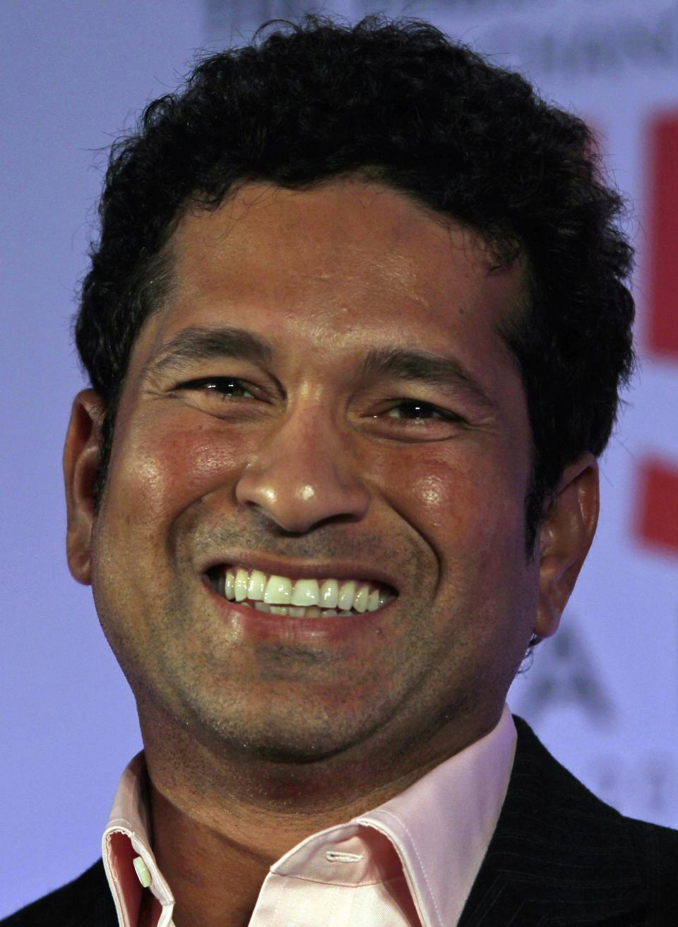 Indian cricket great Sachin Tendulkar to retire