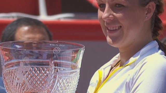 Pavlyuchenkova wins second title of season in Portugal