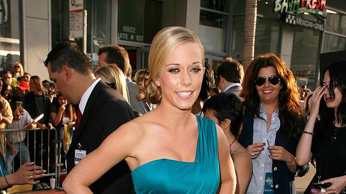 "Kendra Wilkinson arrives on the red carpet of the Los Angeles premiere of ""Star Trek"" on April 30, 2009"