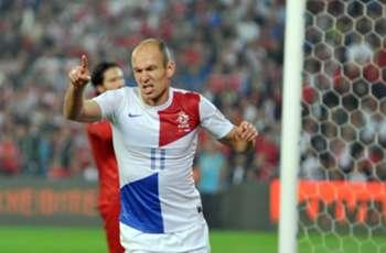 Turkey 0-2 Netherlands: Robben, Sneijder seal win