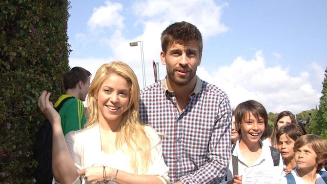 **File Photo*** SHAKIRA IS PREGNANTColombian superstar SHAKIRA has announced she is pregnant.  The Hips Don't Lie hitmaker took to her Facebook.com page on Wednesday (19Sep12) to confirm reports she is expecting a baby with her boyfriend, Spanish soccer star Gerard Pique.  She writes,
