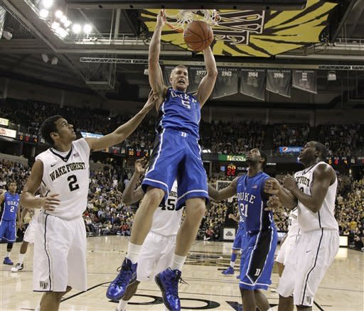Plumlee leads No. 5 Duke past Wake Forest 75-70