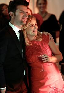 Adam Scott, Amy Poehler | Photo Credits: Tyler Golden/NBC