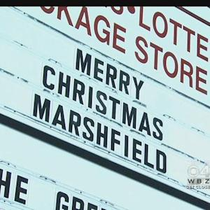 Marshfield Residents Not Letting Christmas Go Away Easily