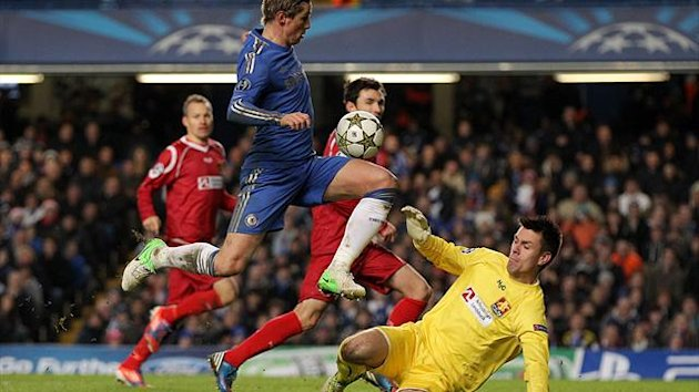 Fernando Torres, centre, scored a brace as Chelsea ran out 6-1 winners