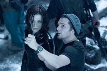 Kate Beckinsale and director Len Weisman on the set of Screen Gems' Underworld: Evolution