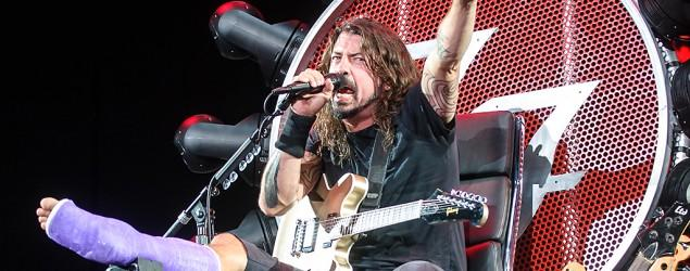 Dave Grohl rocks out on custom 'GoT'-style throne
