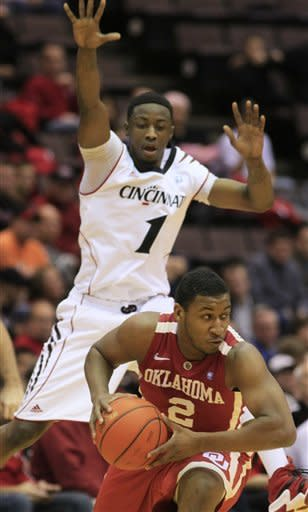 Cincinnati rallies for 56-55 win over Oklahoma