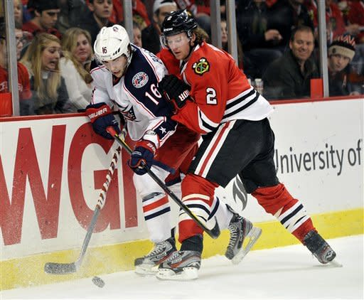 Stalberg scores 2 as Blackhawks top Blue Jackets