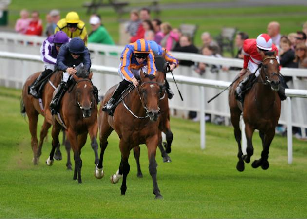Horse Racing - Moyglare Stud Stakes Day - The Curragh