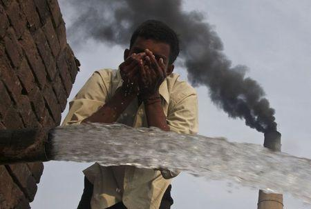 India announces plan to slow rate of greenhouse gas growth